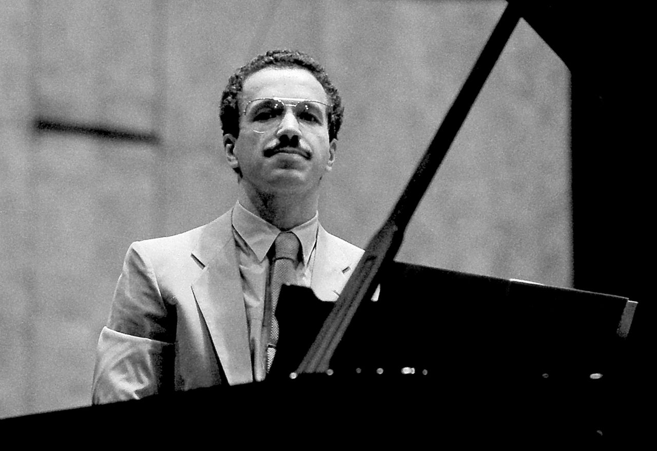 Jazz and Improvisation master, Keith Jarret plays Bach.
